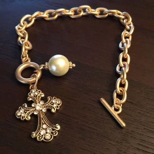 Jewelry - Cross and pearl bracelet